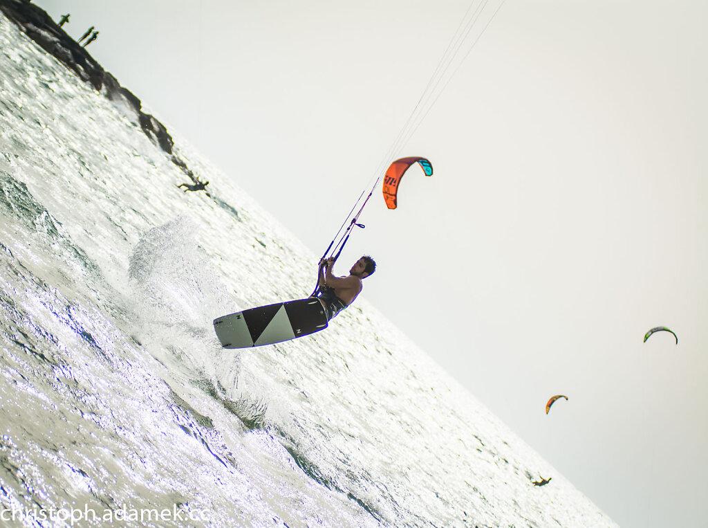 046-Kitesurfing.jpg