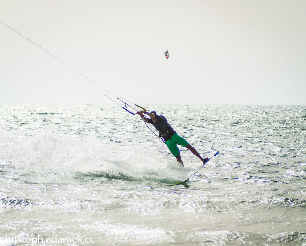 047-Kitesurfing.jpg