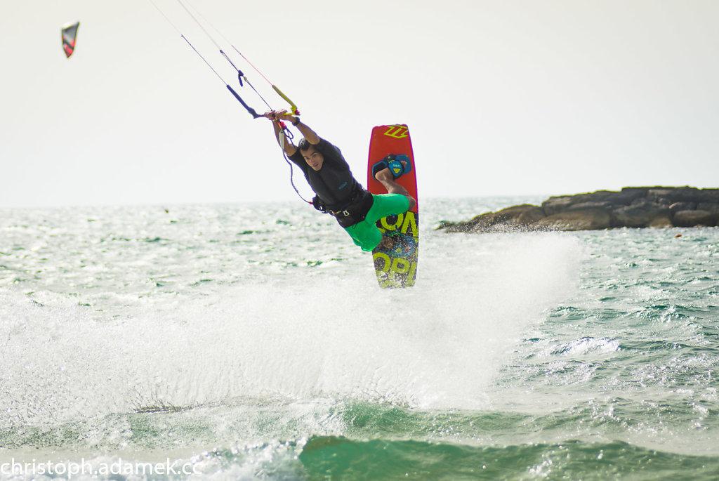 050-Kitesurfing.jpg