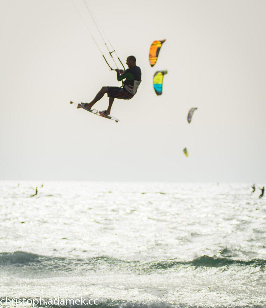 053-Kitesurfing.jpg