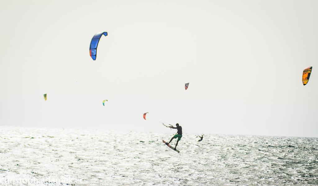 059-Kitesurfing.jpg