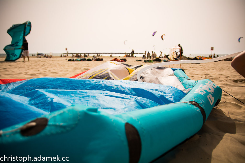 004-Kitesurfing.jpg